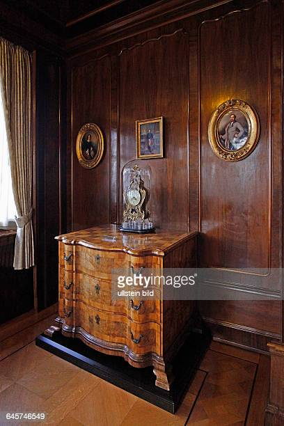 The Prince´s Wing of Coburg castle The Duchess´s Salon is panelled in the neoRococo style with its original red wall coverings woven French silk from...