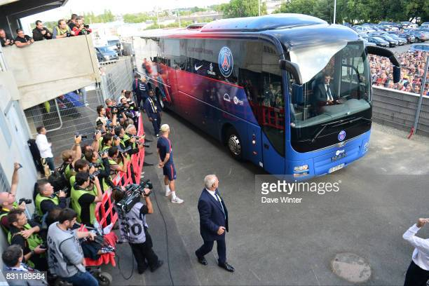 The PSG team coach arrives for the Ligue 1 match between EA Guingamp and Paris Saint Germain at Stade du Roudourou on August 13 2017 in Guingamp