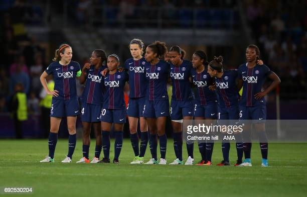The PSG team stand during the penalty shootout during the UEFA Women's Champions League Final match between Lyon and Paris Saint Germain at Cardiff...