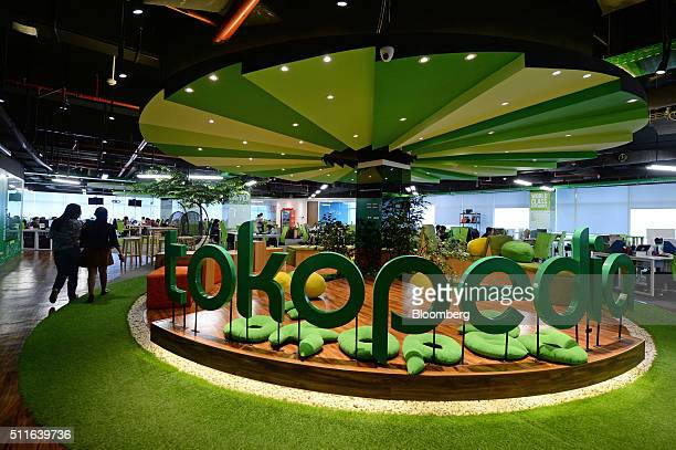 Tokopedia imagens e fotografias de stock getty images inside tokopedia offices and portraits of chief executive officer william tanuwijaya as underdog becomes the poster child of indonesias tech boom stopboris Images