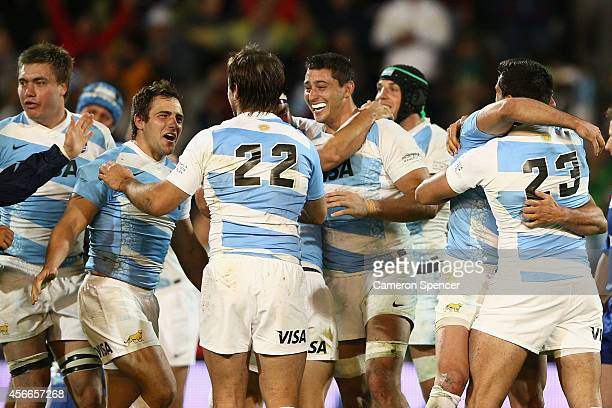 The Pumas celebrate winning The Rugby Championship match between Argentina and the Australian Wallabies at Estadio Malvinas Argentinas on October 4...