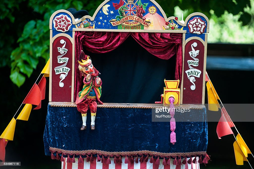 "The puppet show Rod Burnett ""Punch and Judy"" is part of the IX International Puppet Festival of Santillana del Mar (Cantabria), on May 28, 2016."