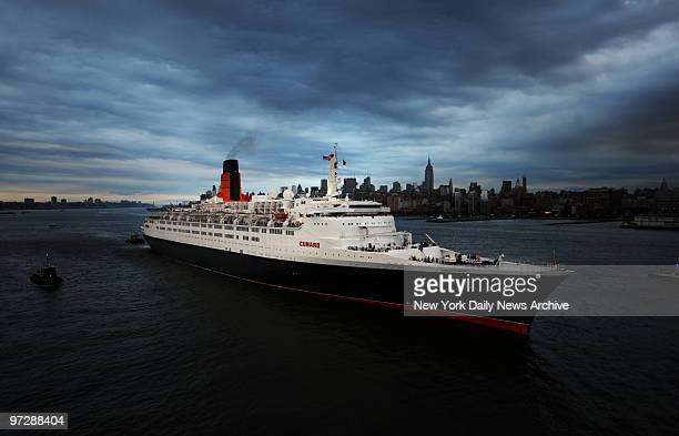 The QE2 bids farewell to America as she leaves her final call to New York