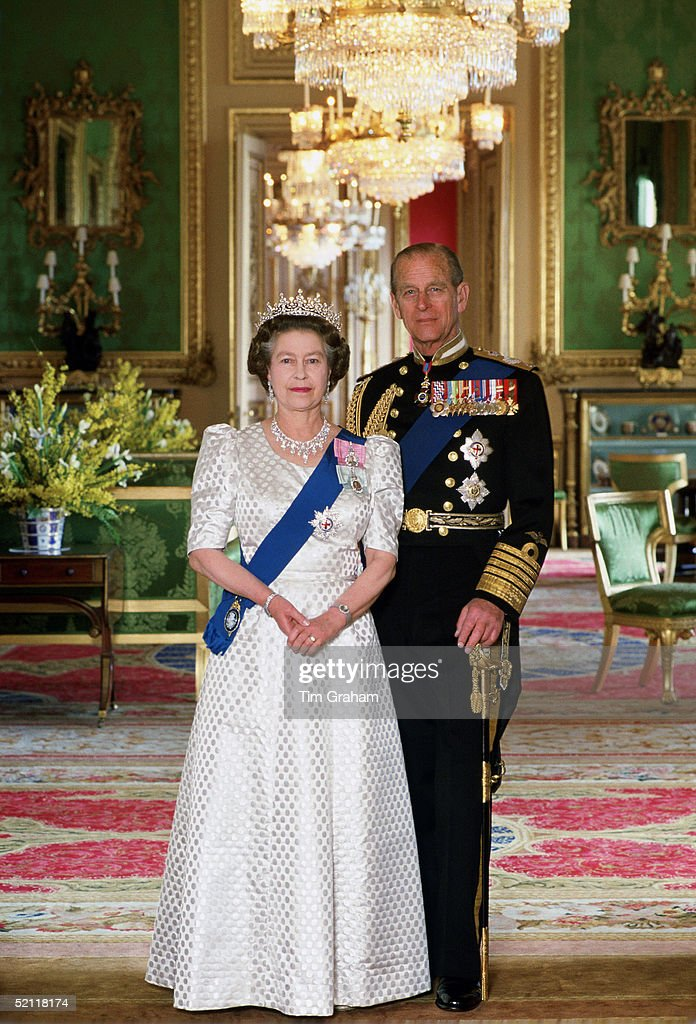 The Queen And <a gi-track='captionPersonalityLinkClicked' href=/galleries/search?phrase=Prince+Philip&family=editorial&specificpeople=92394 ng-click='$event.stopPropagation()'>Prince Philip</a> In The Green Room At Home In Windsor Castle