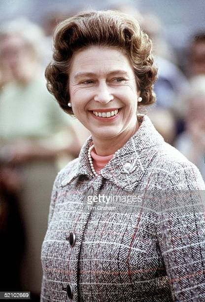 Queen Elizabeth Ii 1970s Stock Photos and Pictures | Getty ...