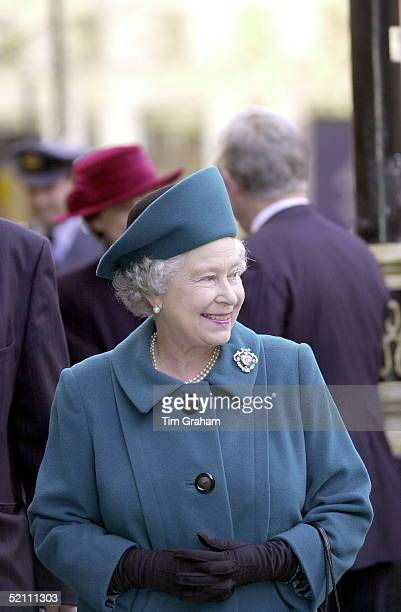 The Queen During Her Visit To St Clement Danes Church Of England Primary School Drury Lane London To Mark The 300th Anniversary Of It's Foundation