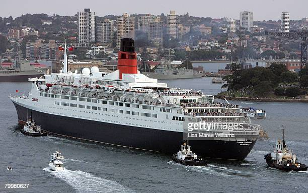 The Queen Elizabeth II ship leaves Sydney Harbour for the last time on her final voyage to Australia on February 25 2008 in Sydney Australia The...
