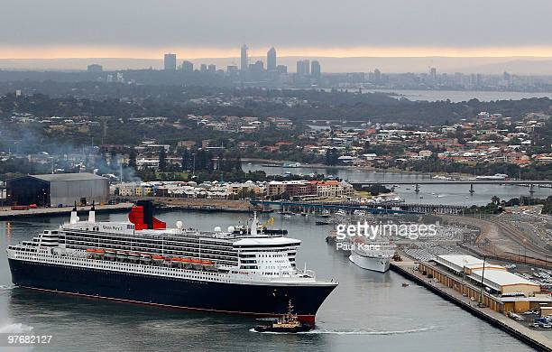 The Queen Mary 2 performs a turn in Fremantle Harbour on March 14 2010 in Fremantle Australia The QM 2 the largest passenger ship ever to visit...