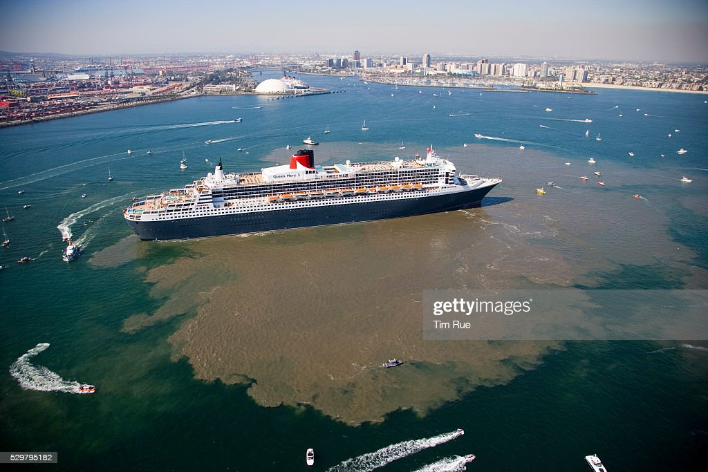 The Queen Mary 2 The Largest Cruise Ship In The World Manuevers Off Pictu