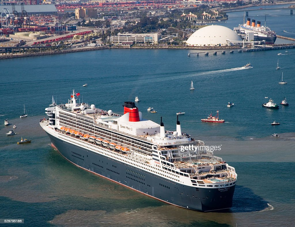 The Queen Mary 2 The Largest Cruise Ship In The World Manuevers Off Pict