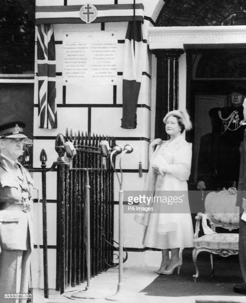 The Queen Mother as she unveils a commemorative plaque on No1 Dorset Square London today The building was used as headquarters of the French...