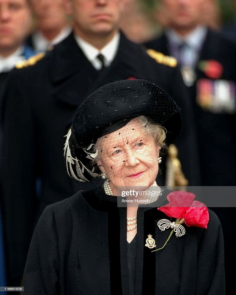 The Queen Mother visits the Royal British Legion Field of Rememberence at Westminster Abbey in November 1998.