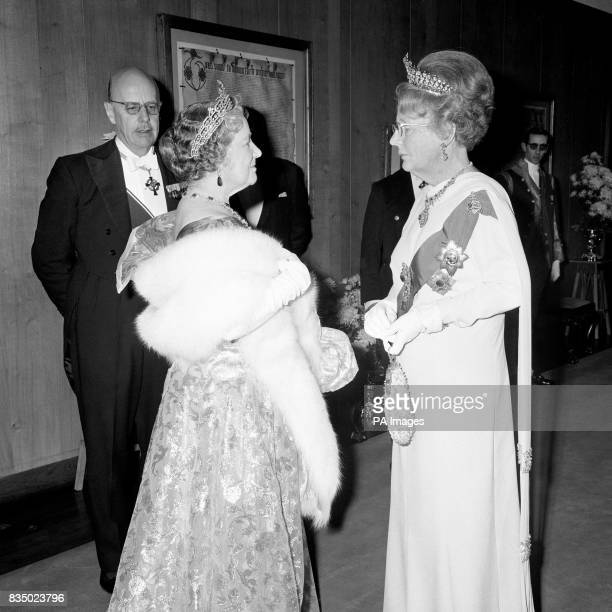 The Queen Mother with Queen Juliana of the Netherlands as they arrived at the Carpenters' Hall in the City to attend the banquet given by Queen...