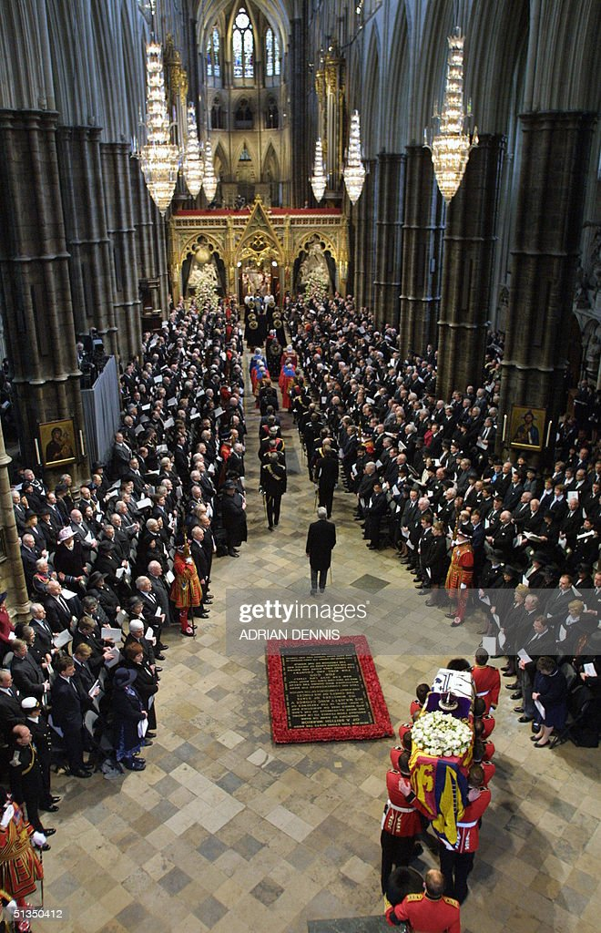 the-queen-mothers-coffin-arrives-at-west