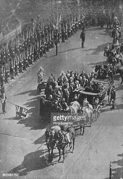 The Queen's visit to Ireland Presentation of the Address and Casket to Her Majesty by the members of the Dublin Corporation on her entry to the City...