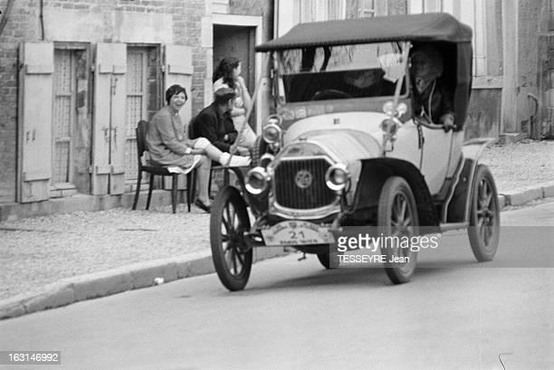 The Rally Of Old Cars Paris Vienna 1965 En mai 1965 dans le cadre de la course 'le rallye des vieux Tacots Paris Vienne' des automobiles anciennes et...