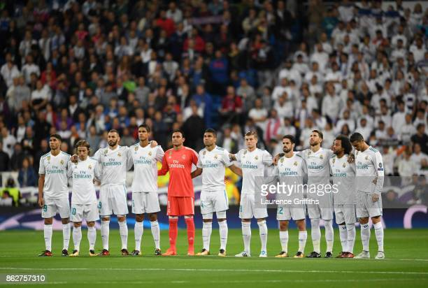 The Real Madrid team line up ahead of the UEFA Champions League group H match between Real Madrid and Tottenham Hotspur at Estadio Santiago Bernabeu...