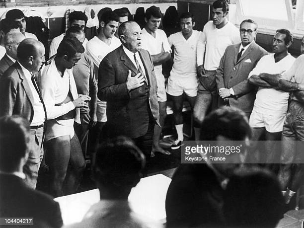 The Real's president Santiago BERNABEU giving a speech to the team from Madrid before the training session Their main aim was to take back the Europe...