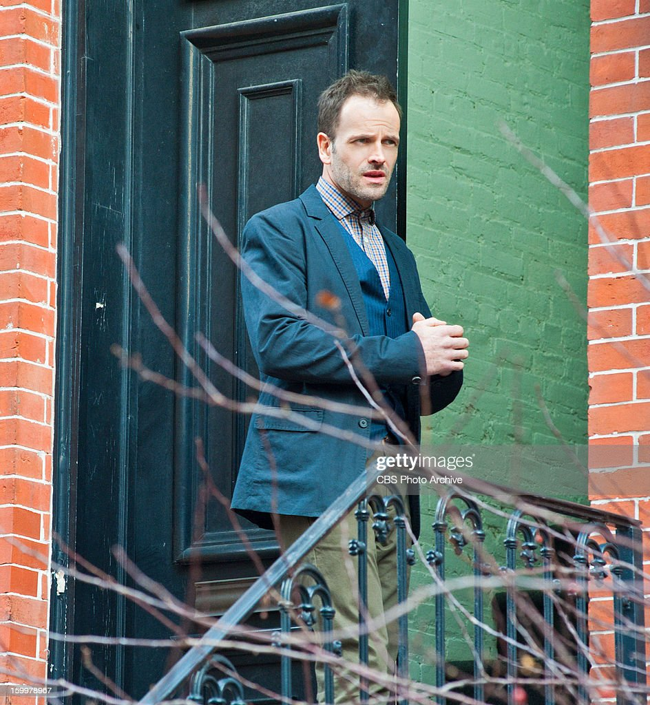 """'The Red Team' """" While on suspension from the NYPD, Sherlock (Jonny Lee Miller) investigates a suspicious hit and run car accident involving a conspiracy theorist, on ELEMENTARY, Thursday, Jan. 31 (10:00-11:00 PM, ET/PT) on the CBS Television Network.."""