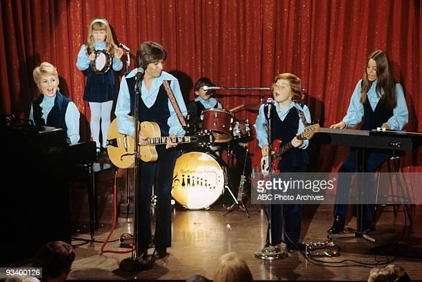FAMILY 'The Red Woodloe Story' 1/1/71 Shirley Jones Suzanne Crough David Cassidy Jeremy Gelbwaks Danny Bonaduce Susan Dey
