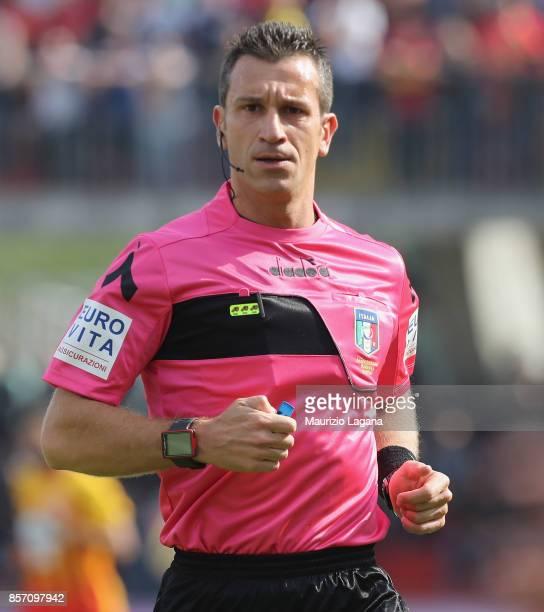 The referee Daniele Doveri during the Serie A match between Benevento Calcio and FC Internazionale at Stadio Ciro Vigorito on October 1 2017 in...