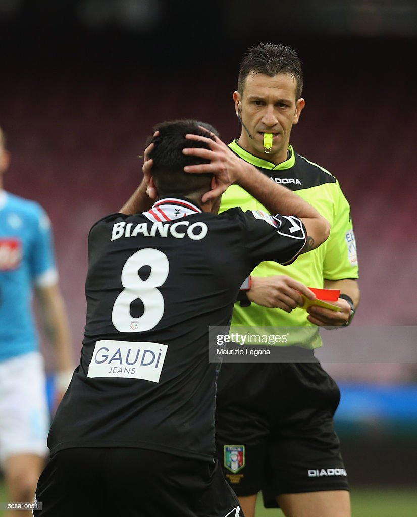 The referee Daniele Doveri shows the red card to Raffaele Bianco of Carpi during the Serie A match between SSC Napoli and Carpi FC at Stadio San Paolo on February 7, 2016 in Naples, Italy.