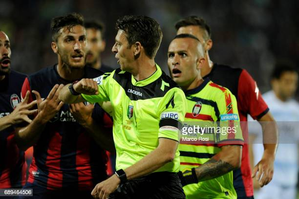 The referee Gianluca Rocchi during the Serie A match between FC Crotone and SS Lazio at Stadio Comunale Ezio Scida on May 28 2017 in Crotone Italy