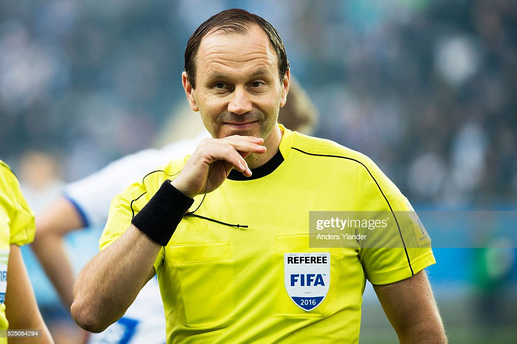 The referee <a gi-track='captionPersonalityLinkClicked' href=/galleries/search?phrase=Jonas+Eriksson+-+Referee&family=editorial&specificpeople=12731953 ng-click='$event.stopPropagation()'>Jonas Eriksson</a> during the Allsvenskan match between IFK Goteborg and Malmo FF at Gamla Ullevi on April 27, 2016 in Gothenburg, Sweden.