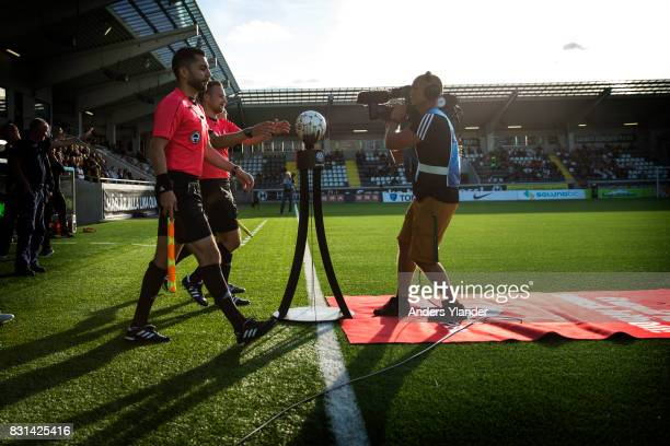 The referee Kristoffer Karlsson entering the pitch prior to the Allsvenskan match between BK Hacken and GIF Sundsvall at Bravida Arena on August 14...