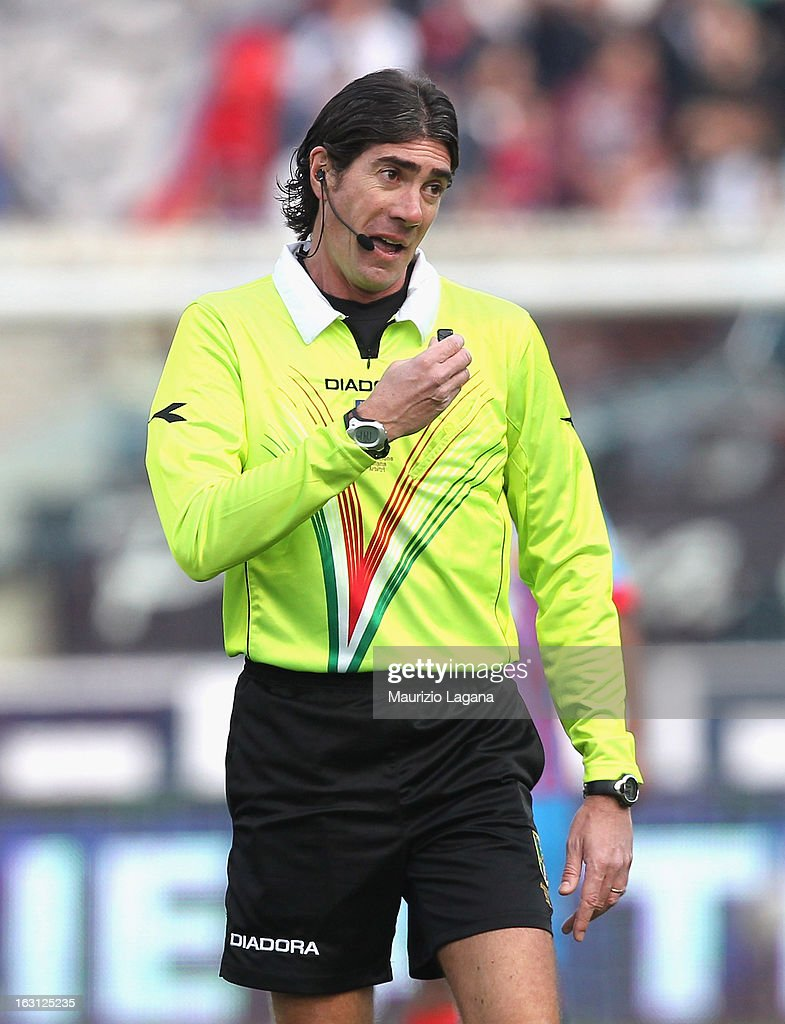 The Referee Mauro Bergonzi during the Serie A match between Calcio Catania and FC Internazionale Milano at Stadio Angelo Massimino on March 3, 2013 in Catania, Italy.