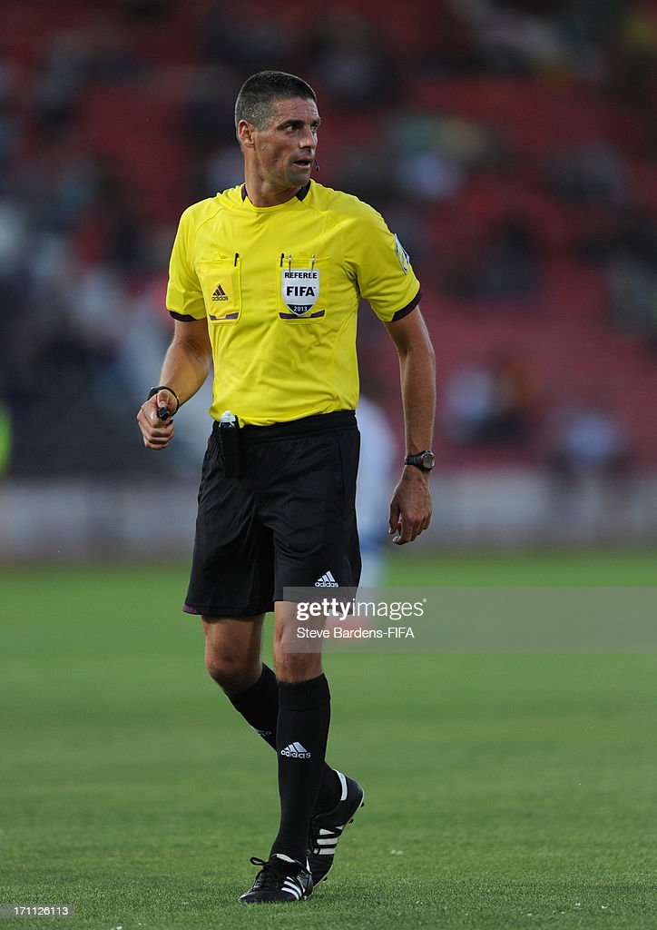 The Referee Peter O'Leary of New Zealand the FIFA U20 World Cup Group D match between Mexico and Greece at Kamil Ocak Stadium on June 22, 2013 in Gaziantep, Turkey.