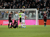 the referee warns Stefano Sturaro during the serie A match between Juventus FC and AC Milan at the juventus stadium on november 21 2015 in torino...