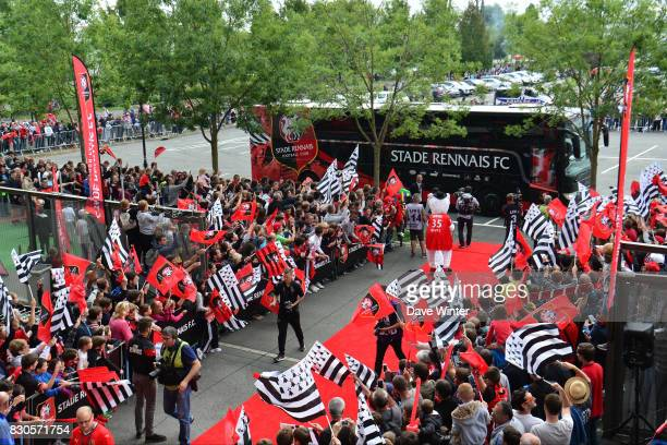 The Rennes team bus arrives for the Ligue 1 match between Stade Rennais and Olympique Lyonnais at Roazhon Park on August 11 2017 in Rennes