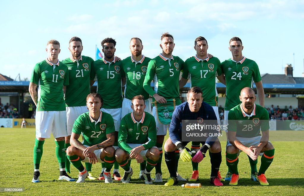 The Republic of Ireland starting XI, (top L-R) James McClean, Daryl Murphy, Cyrus Christie, David Meyler, Richard Keogh, Stephen Ward, Ciaran Clark (bottom L-R) Jeff Hendrick, Aiden McGreedy, Shay Given and Darron Gibson line up for the official team photograph before the kick off of the international friendly football match between Republic of Ireland and Belarus at Turner's Cross stadium in Cork, Ireland, on May 31, 2016. / AFP / CAROLINE