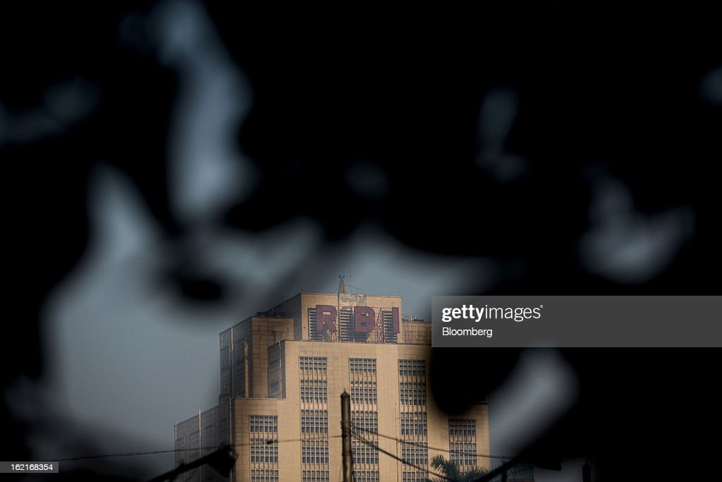 The Reserve Bank of India (RBI) stands in the BBD Bagh area of Kolkata, India, on Tuesday, Feb. 19, 2013. India's slowest economic expansion in a decade is limiting profit growth at the biggest companies even as foreigners remain net buyers of the nation's stocks, according to Kotak Institutional Equities. Photographer: Brent Lewin/Bloomberg via Getty Images