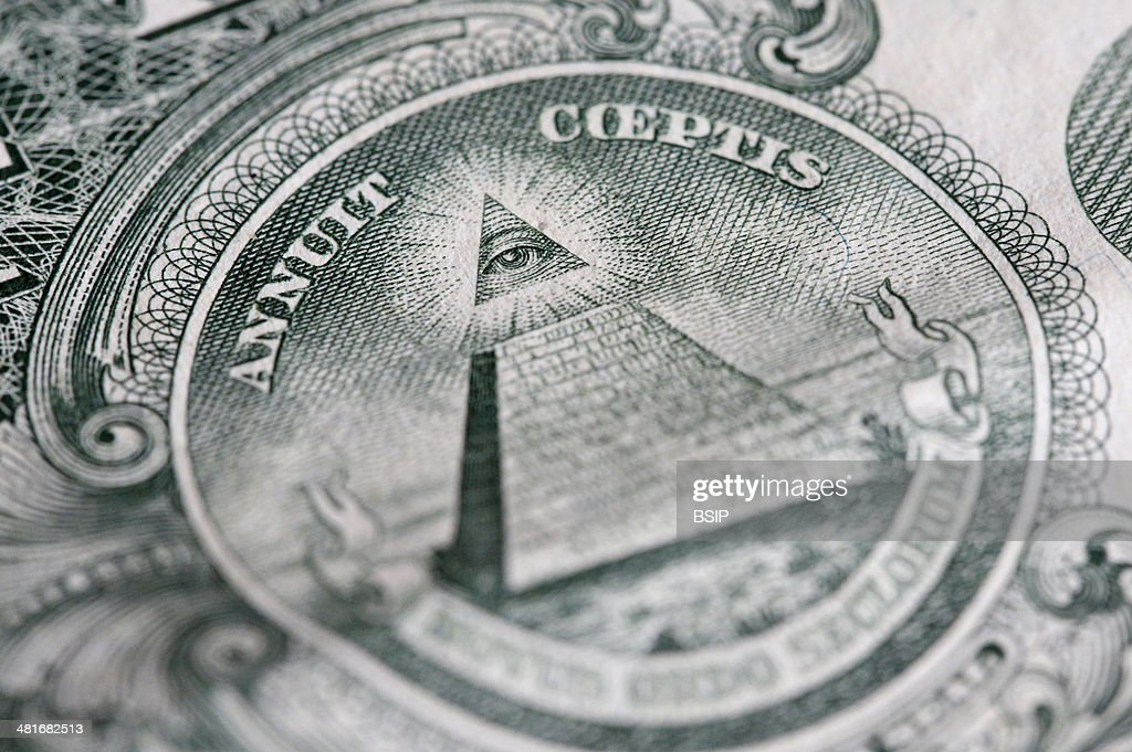 The reverse of the United States onedollar bill depicting a Pyramid with 13 steps and the Eye of Providence