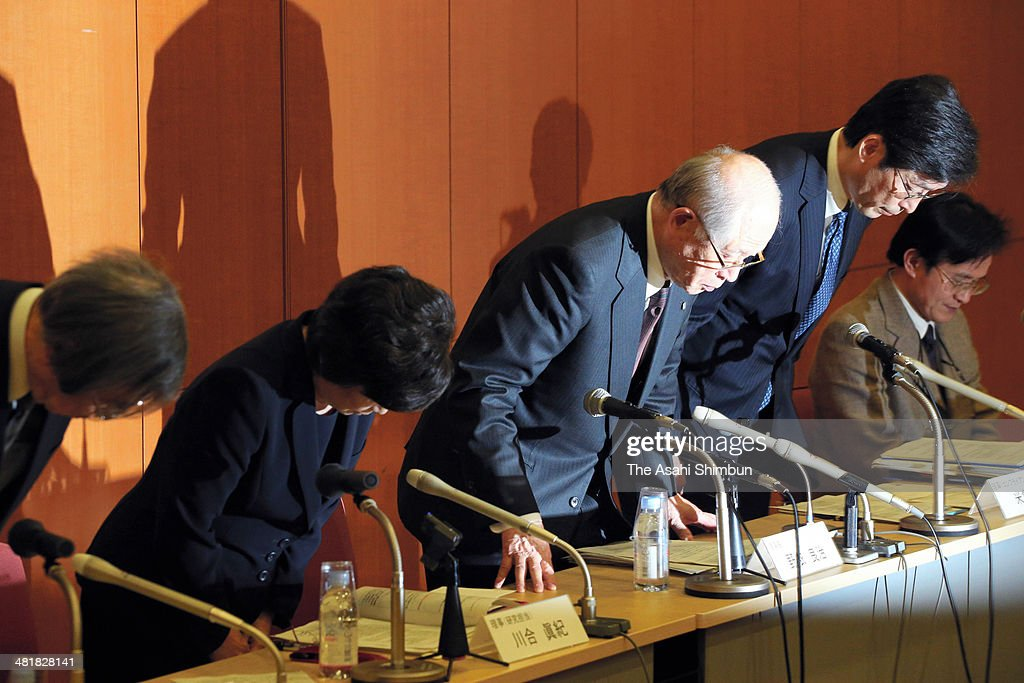 The Riken national research institute President and the Nobel prize winner in Chemistry Ryoji Noyori and other Riken officials apologize at a news conference on April 1, 2014 in Tokyo, Japan. The Riken found evidence of misconduct in supposedly groundbreaking studies on stem cells that had brought worldwide acclaim to one of its scientists. An investigative committee was set up after irregularities were pointed out in articles published by stem-cell biologist Haruko Obokata in the prestigious British science journal Nature in late January.