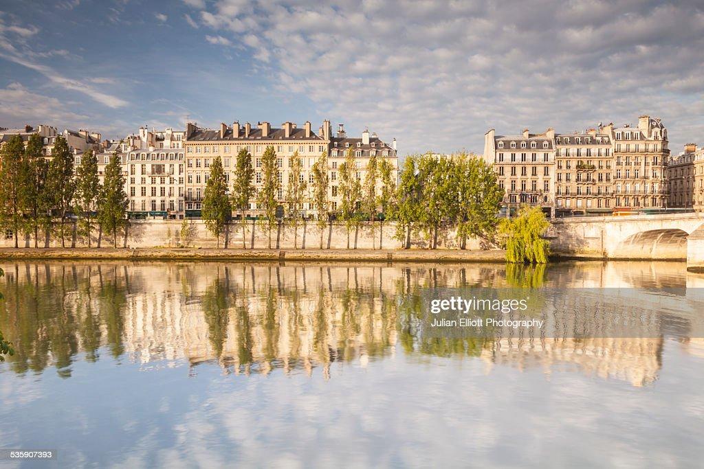 The River Seine and Parisian apartments, Paris : Stock Photo