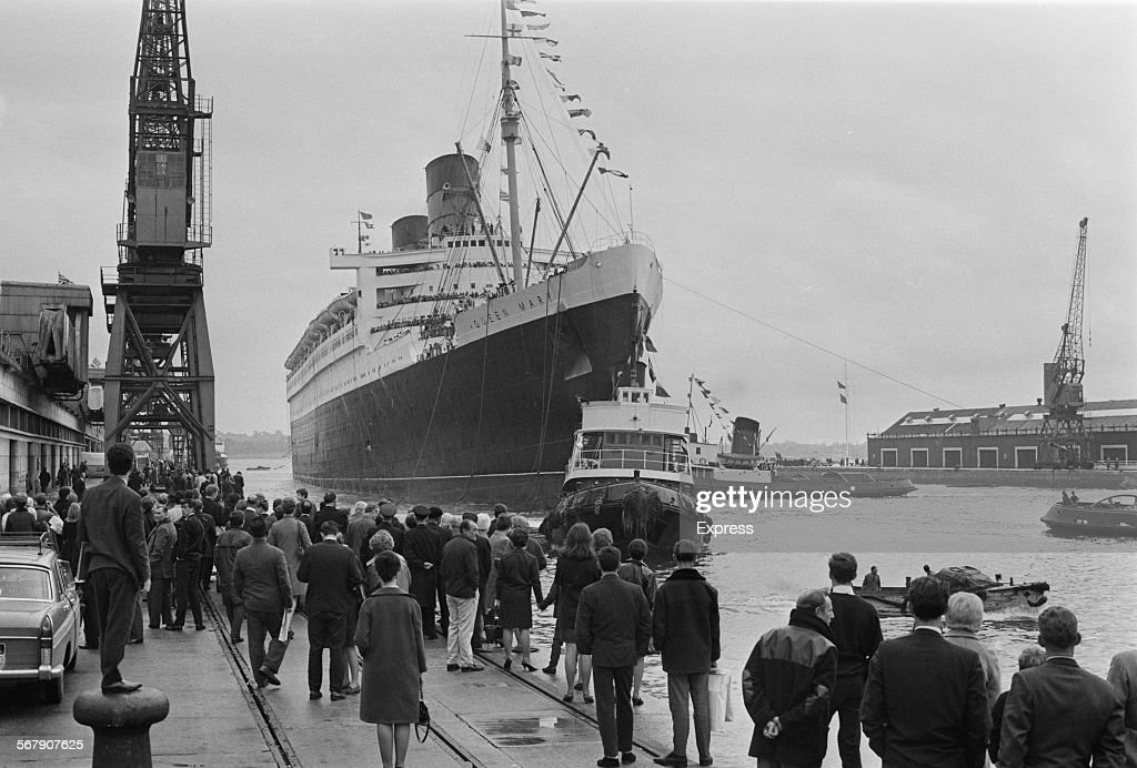 The RMS Queen Mary ocean liner arrives in Southampton ...