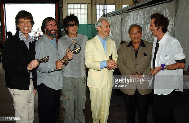 The Rolling Stones' Mick Jagger Ronnie Wood Charlie Watts and Keith Richards along with concert promoter Michael Cohl receive Keys to the City from...