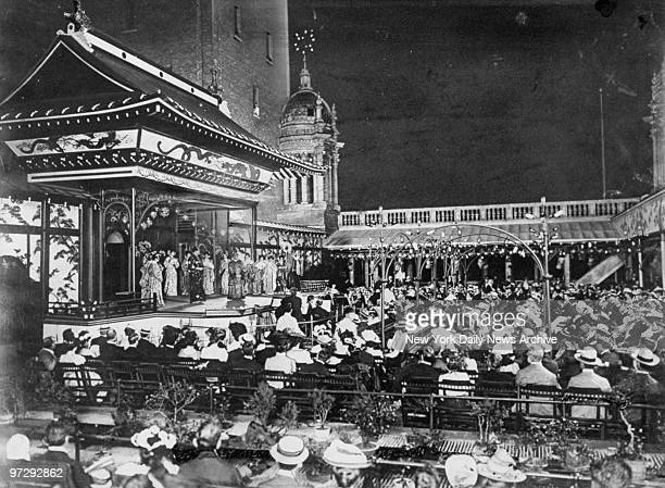 Evelyn nesbit stock photos and pictures getty images - How old is madison square garden ...