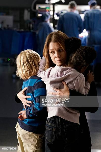 S ANATOMY 'The Room Where It Happens' A difficult surgery brings back pivotal memories for Meredith Richard Owen and Stephanie as they work together...
