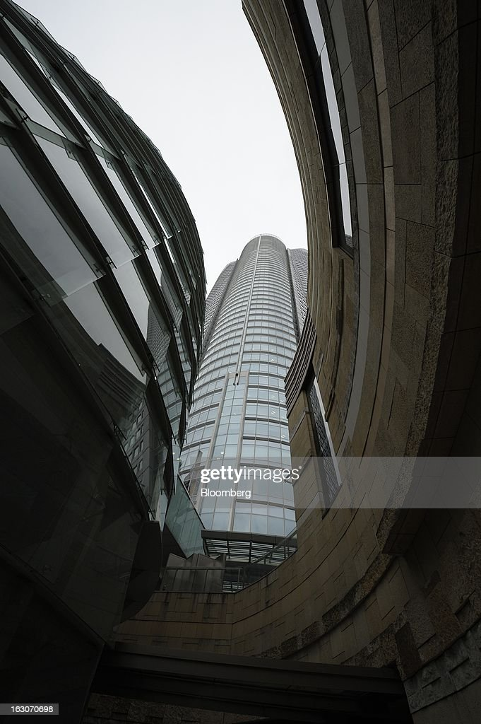 The Roppongi Hills Mori Tower, center, operated by Mori Building Co., stands in Tokyo, Japan, on Friday, March 1, 2013. Mori Building Co., Japan's biggest closely held developer, said it plans to attract global companies to its new building set to open in 2014, its biggest project since Roppongi Hills opened a decade ago. Photographer: Akio Kon/Bloomberg via Getty Images