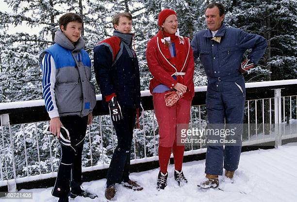 The Royal Family Of Denmark At Winter Sports février 1984 Portrait de la famille royale du Danemark aux sports d'hiver le Prince HENRIK la Reine...