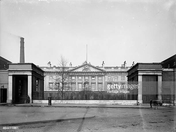 The Royal Mint moved from the Tower of London to new premises on Tower Hill designed in the neoclassical style by Sir Robert Smirke The first coins...
