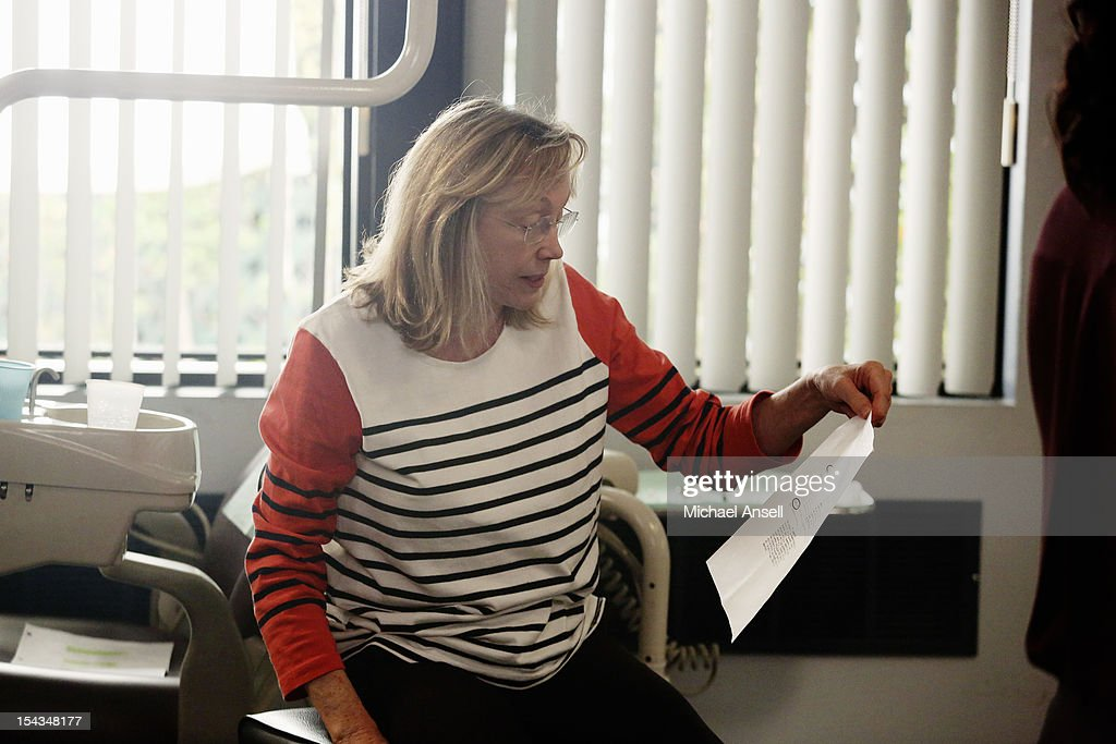 THE MIDDLE - 'The Safe' - Frankie is made an example of in front of the entire class when she doesn't make a good impression on her first day of dental assisting school with no-nonsense teacher Mrs. Armwood (Jane Kaczmarek, 'Malcolm in the Middle'). Meanwhile, because Axl's broken foot may end any chance of his receiving a college sports scholarship, Frankie and Mike insist that he up his grades and get himself a tutor; and Sue and Brick think they've stumbled upon an expensive item inside an old safe and try to get big bucks for it from a local pawn store employee (Rick Harrison, 'Pawn Stars'), on 'The Middle,' WEDNESDAY, NOVEMBER 7 (8:00-8:30 p.m., ET) on the ABC Television Network. CHEMEL