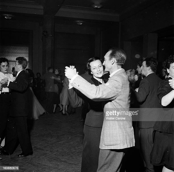 The Saga Of The National Populaire Theater Suresnes 1954 Lors d'un bal Jean VILAR dansant avec Marie PHILIP la mère de Gérard PHILIPE