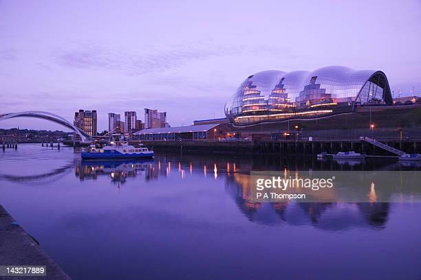 The Sage and Gateshead Millenium Bridge, Newcastle on Tyne, Tyne and Wear, England