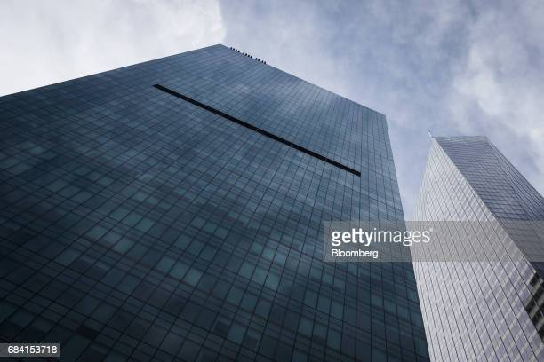 The Salesforce Tower stands in New York US on Friday April 28 2017 Salesforcecom Inc is scheduled to release earning figures on May 18 Photographer...