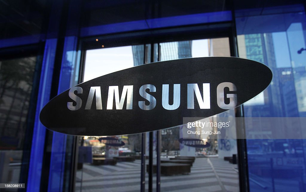 The Samsung logo is displayed at the company's headquarters on December 11, 2012 in Seoul, South Korea. One of the main South Korean presidential election campaign issues is the economy, as the chaebol, South Korea's business conglomerate, dominates the country's wealth while the economic life of middle class people has not been improving.